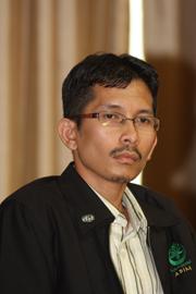 Pelajar peringkat Doktor Falsafah Pengajian Belia, Institut Pengajian Sains Sosial (IPSAS), Universiti Putra Malaysia (UPM), penulis adalah penerima Anugerah Perdana Belia Negara 2014 sempena Konvensyen Belia Kebangsaan, Mei tahun lalu, dan turut dinobat Tokoh Belia ASEAN 2014 dalam satu majlis di Brunei Darussalam pada Oktober tahun yang sama.